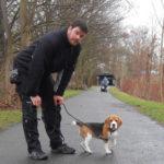 Mark mit Beaglewelpe Indira